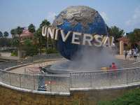 Universal Studios, Florida (The Globe = Poi Around the World, literally) uploaded by KennaBornOfFire